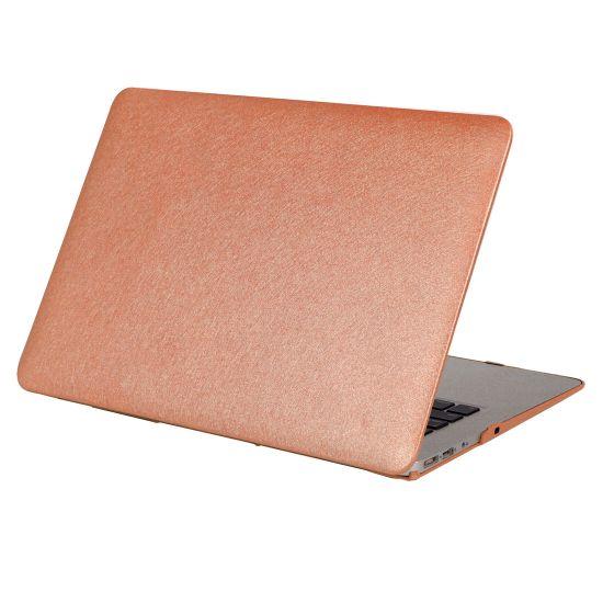 Mobigear Silk Texture Case voor de MacBook Pro 15 inch - Bruin