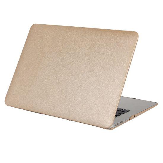 Mobigear Silk Texture Case voor de MacBook Pro 15 inch - Goud